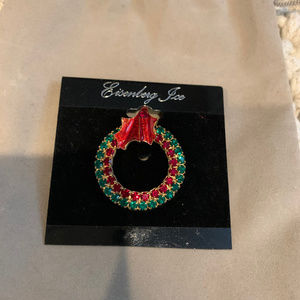 NEW Holiday Christmas Wreath Sparkle Pin Brooch